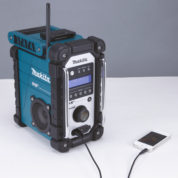 dab am fm radio makita dmr110. Black Bedroom Furniture Sets. Home Design Ideas